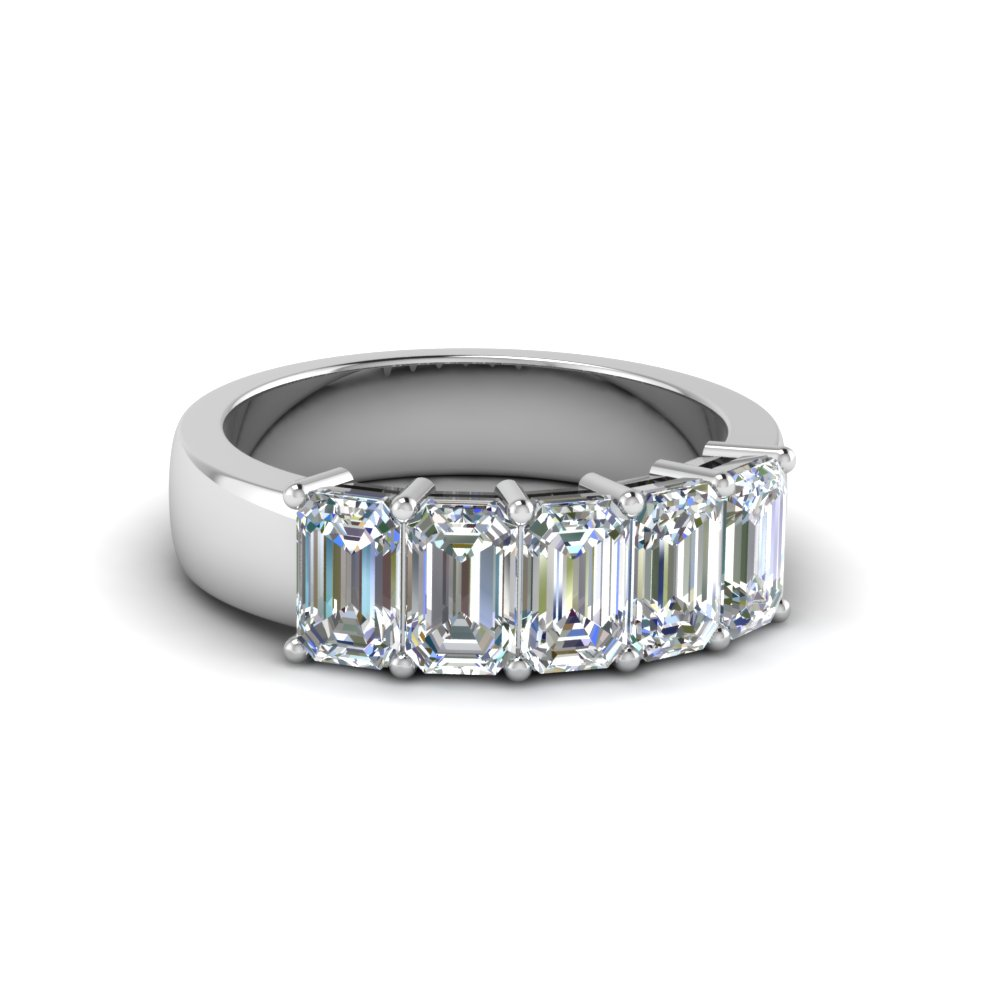 1.5 Ctw. Emerald Cut Diamond Band