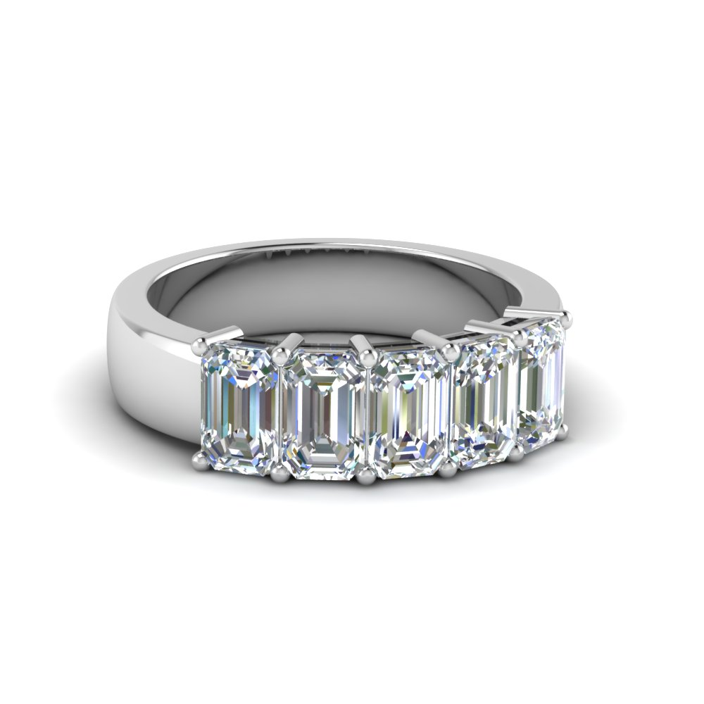 14K White Gold Emerald Cut Band