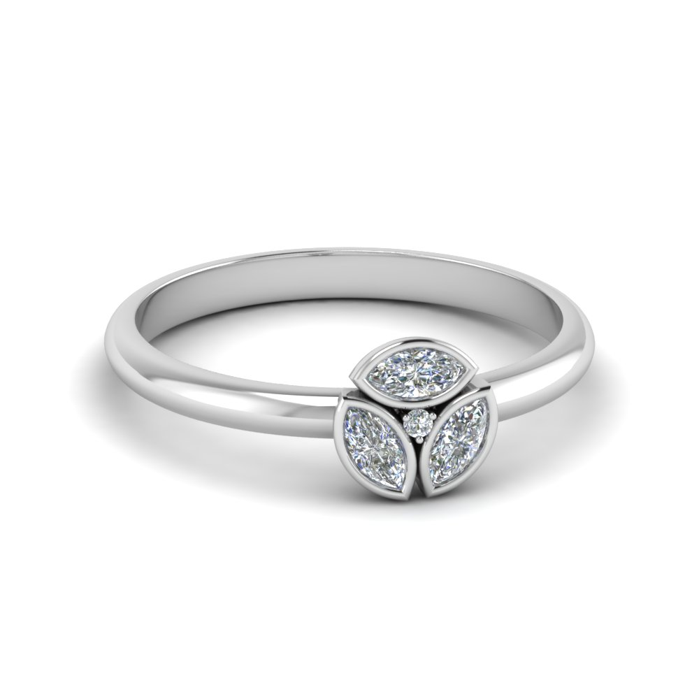 3 Marquise Round Design Diamond Ring
