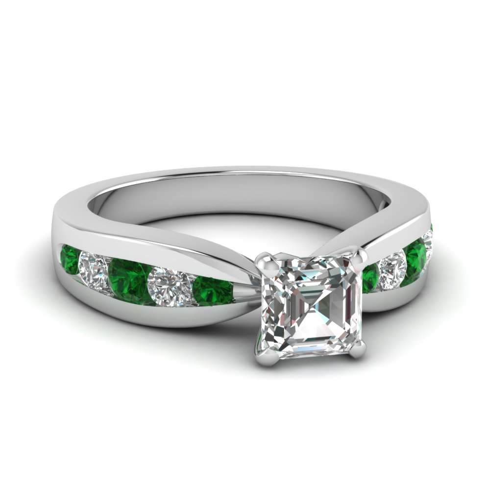 Beautiful Platinum Emerald Ring