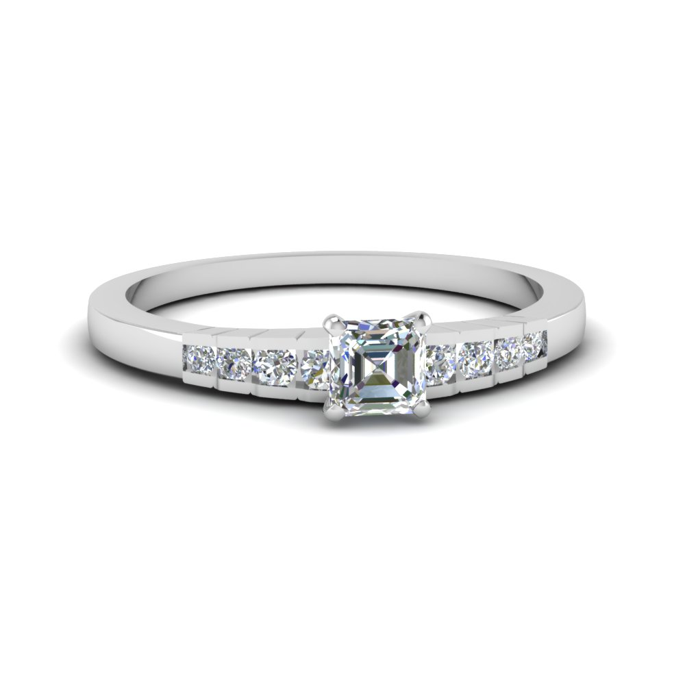 Engagement Ring With Round Accents