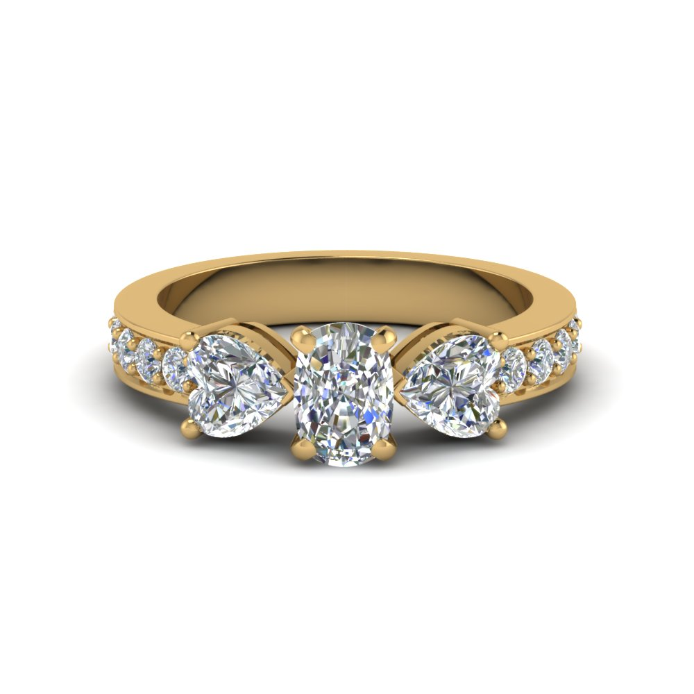 Pretty Three Stone Diamond Ring