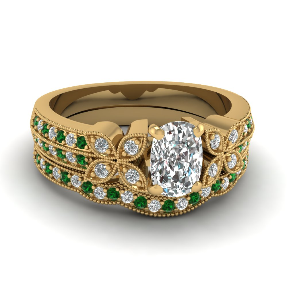 cushion-cut-diamond-milgrain-petal-wedding-set-with-green-emerald-in-18K-yellow-gold-FDENS3308CUGEMGR-NL-YG