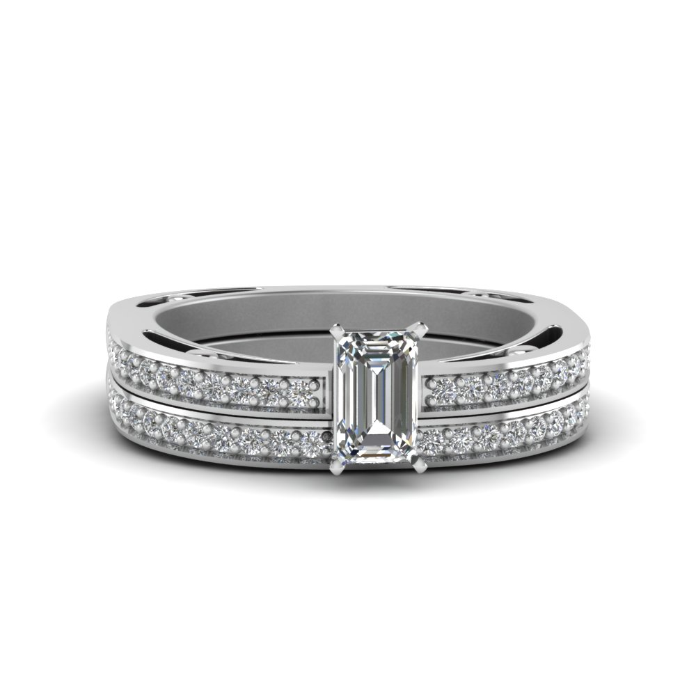 Emerald Cut Delicate Pave Diamond Wedding Ring Set In 18K