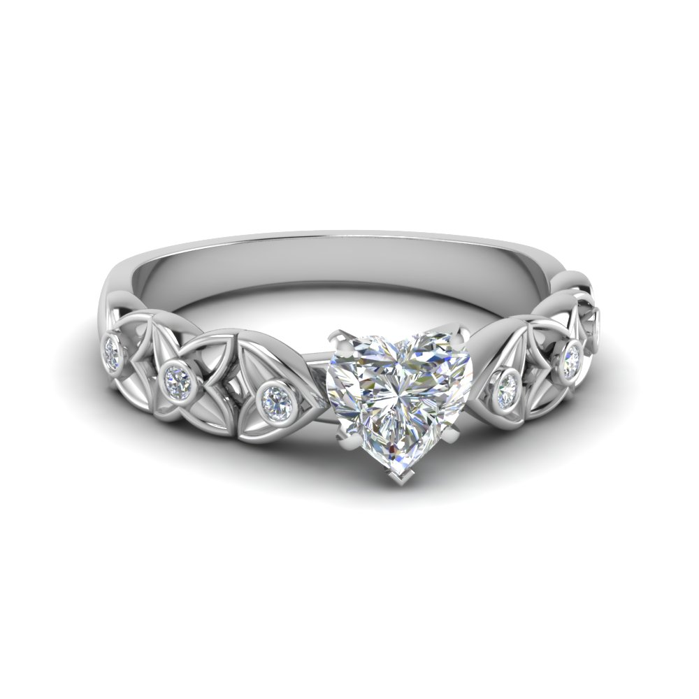 Flower Diamond Heart Shaped Vintage Ring In 14k White Gold