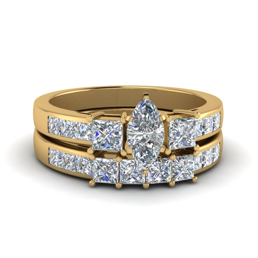 Three Diamond Stone Wedding Ring Set