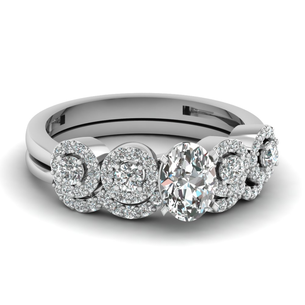 Pave Oval Wedding Ring Set