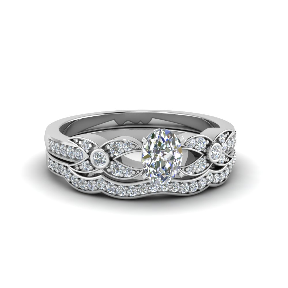 Oval Shaped Flower Pave Diamond Wedding Ring Set In 14K