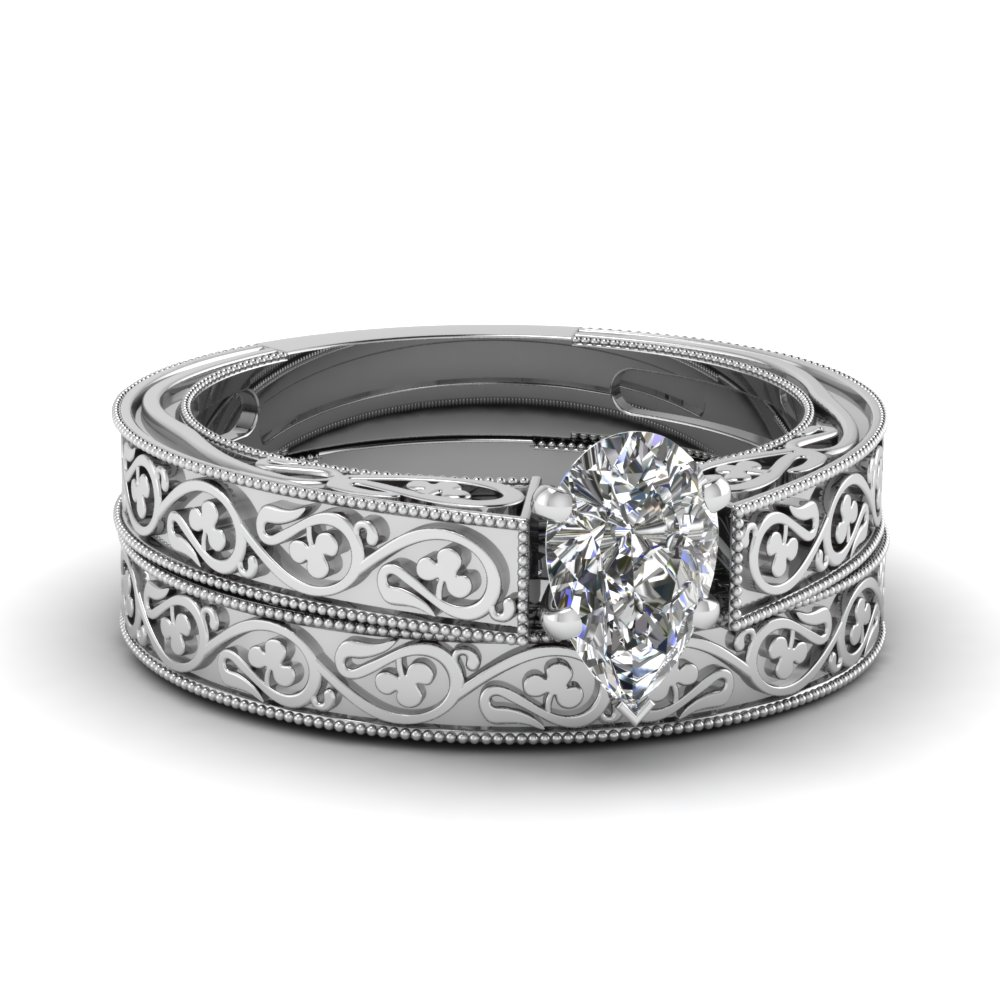 Filigree Vintage Wedding Band In 14K Yellow Gold