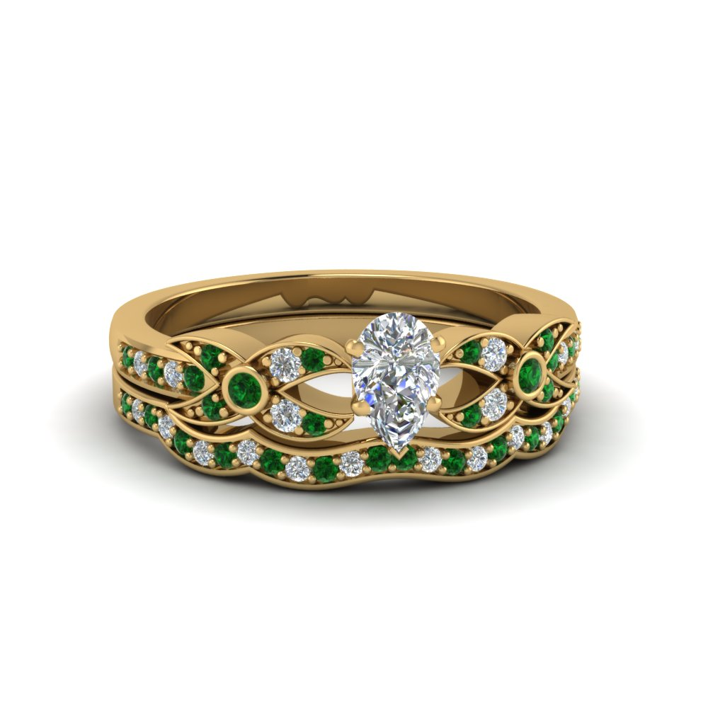 Emerald Ring With Curved Band