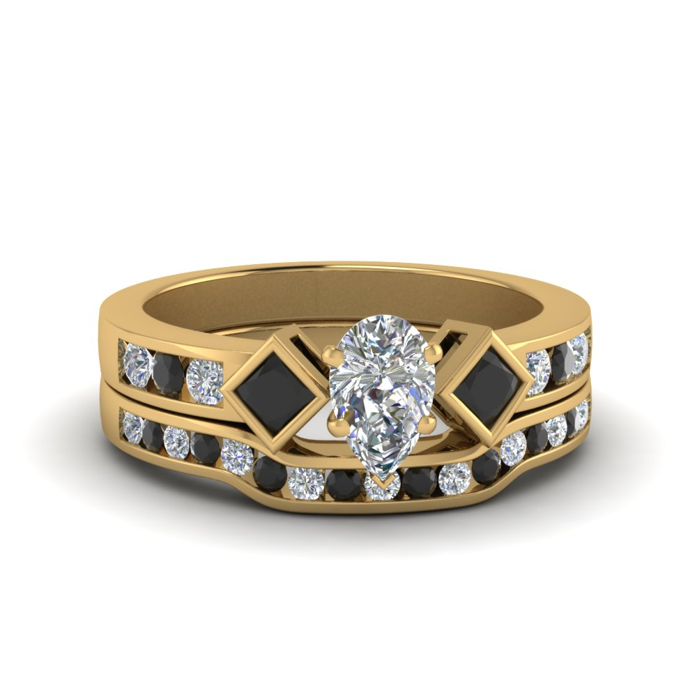 Pear Shaped 3 Stone Ring Set