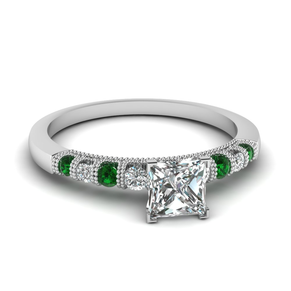 Graduated Emerald Gemstone Ring