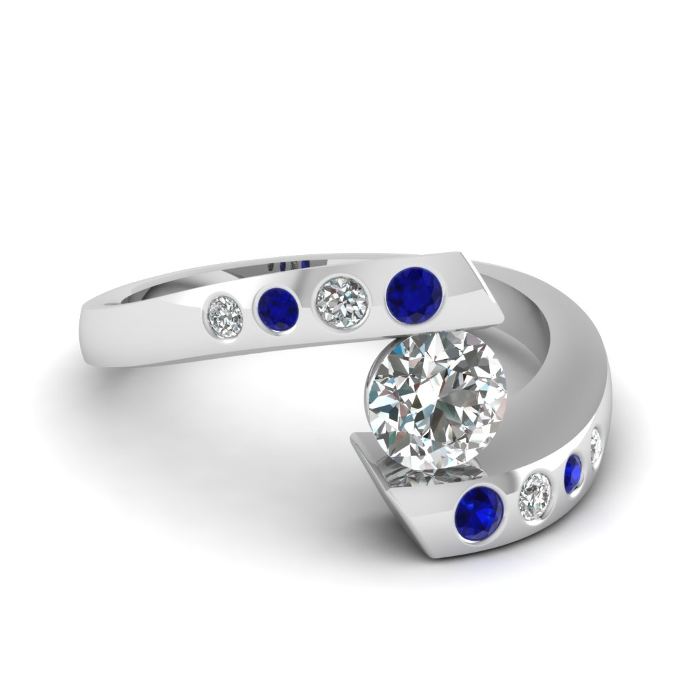Round Cut Diamond Engagement Ring With Blue Sapphire In 14K White