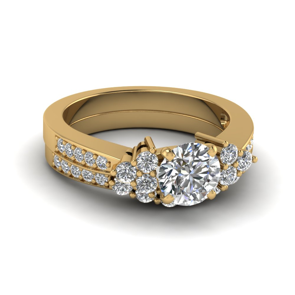 Round Cut Yellow Gold Wedding Ring Set