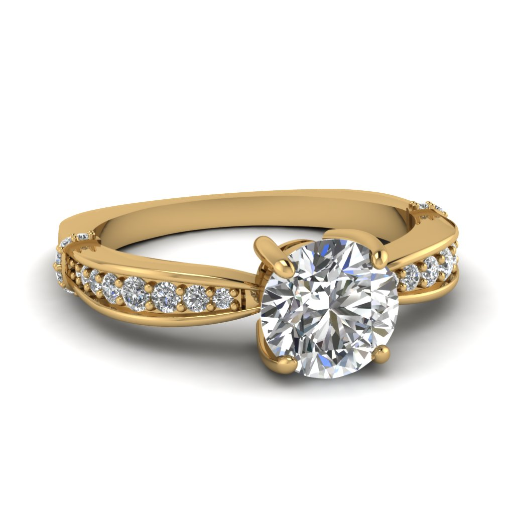 Graduated Accents Round Diamond Ring