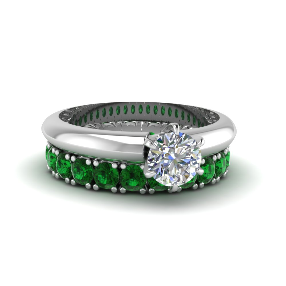 Solitaire Ring With Emerald Band